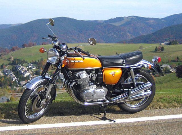 """""""La más sofisticada motocicleta de producción en masa de todos los tiempos"""", revista Cycle World, enero de 1969"""